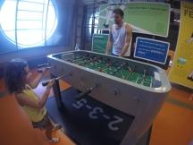 Jogando Totó com o pai.